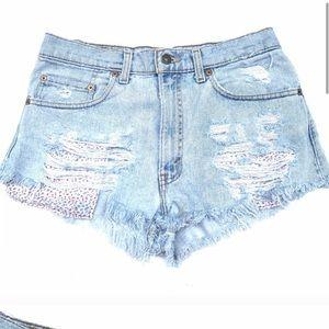 Levi's 550 Frayed Hem Shorts